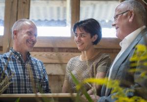 Tuttwil TG - SVP-Gipfeltreffen in Tuttwil mit (von links nach rechts) Regierungsrat Stefan Kölliker SG, Regierungsratspräsidentin Monika Knill TG und Regierungsrat Markus Kägi ZH.